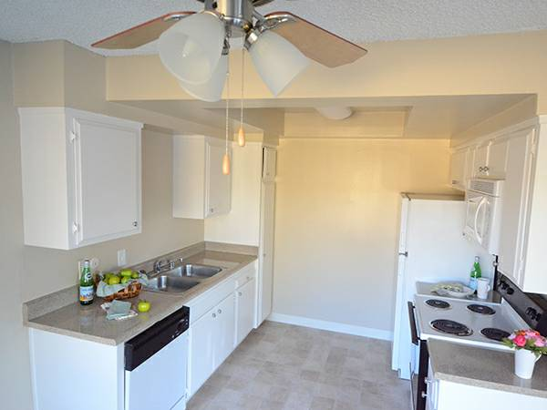 Meridian Apartments San Jose- Kitchen